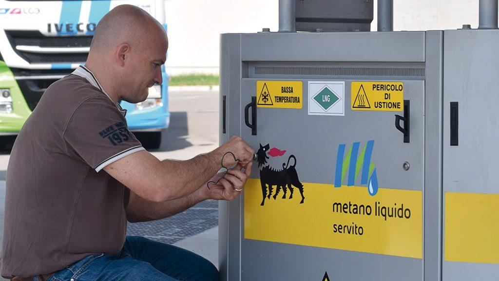 Check of an LNG fuel pump